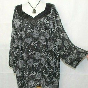 Maggie Barnes Sheer over Solid Tunic 4x A422